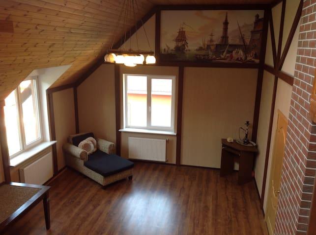 Комната в особняке, Room in a house - Kaliningrad - Talo