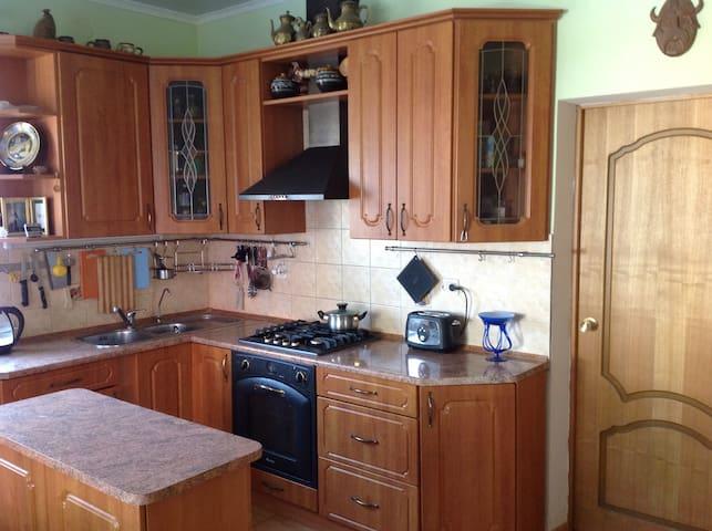 Комната в особняке, Room in a house - Kaliningrad - House