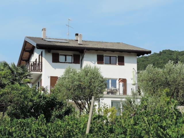 Appartamento in collina a Rovereto - Rovereto - Apartament