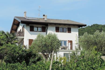 Appartamento in collina a Rovereto - Huoneisto