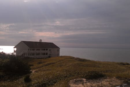 Cape Cod ocean condo Sept 22-29, 2017 - Dennis