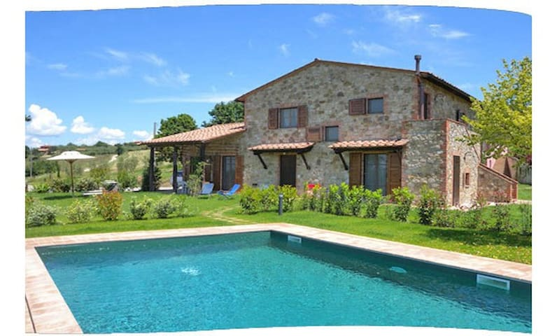 Beautiful country house between Tuscany and Umbria - Cantagallina - Villa
