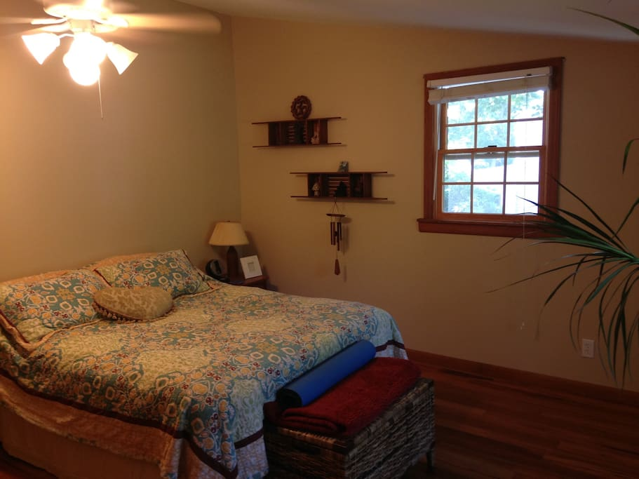 Nice windows and fan for breeze,queen size bed. A/C June -August