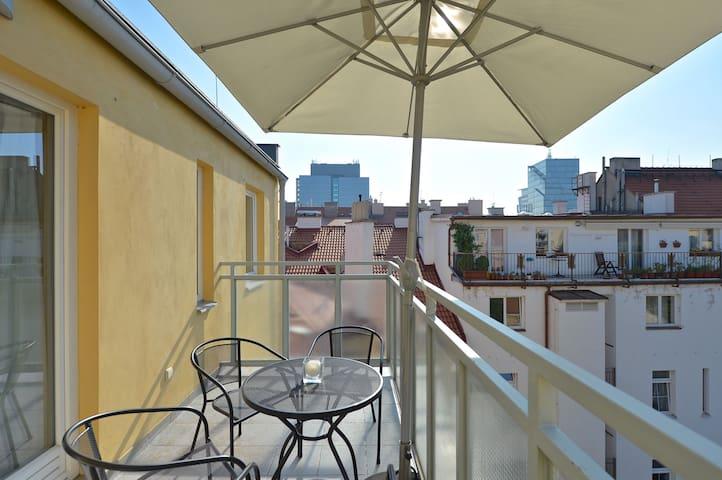 Cozy Apartment Close To The Centre - Praga - Pis