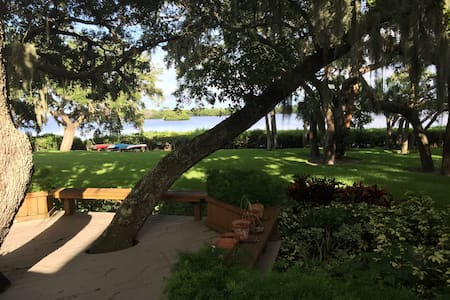 Double Room in Waterfront Condo - Clearwater