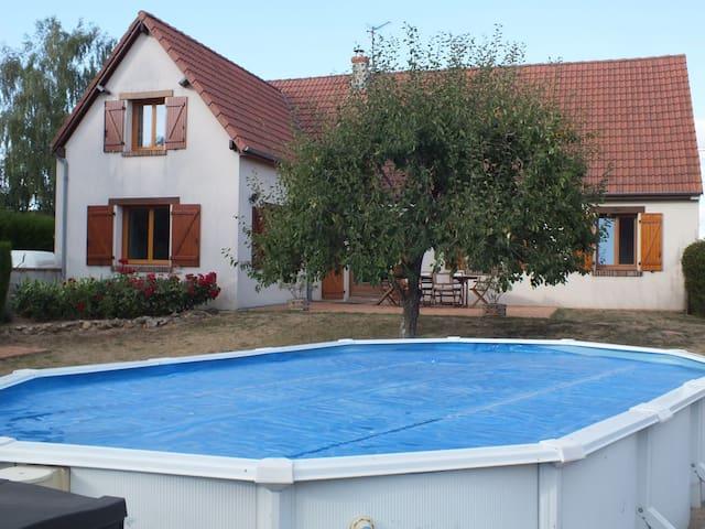 Grande Maison dans un petit village - Champigny-en-Beauce - Hus