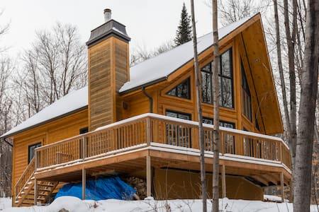 Splendid log cabin at Mt-Tremblant - Mont-Tremblant