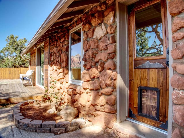 Historic Cowboy Bunkhouse with Red Rock Views!