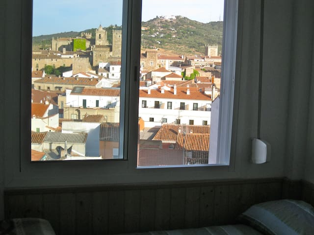 quiet flat with super views - Caceres - Huoneisto