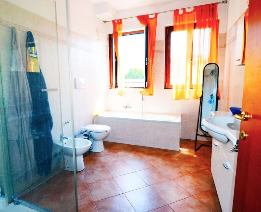 stanza da bagno / bathroom
