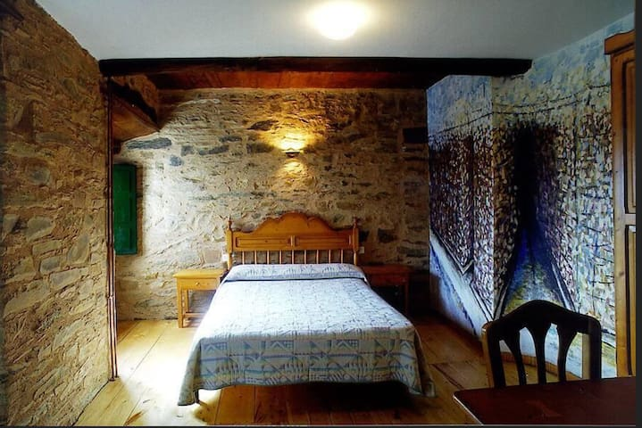 Fantastic room in old style house with big garden