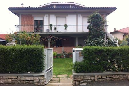 Appartamento in villa familiare - Follonica - Villa