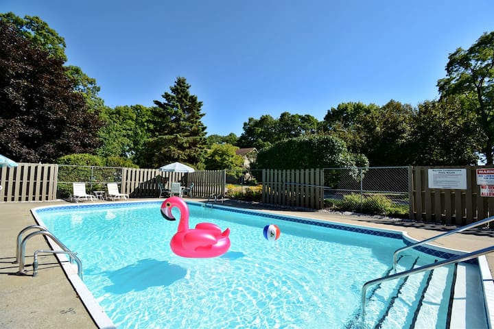 Bayview association swimming pool