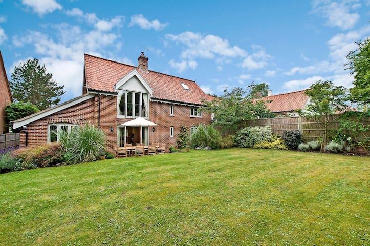 Lark House - Burnham Market - Casa