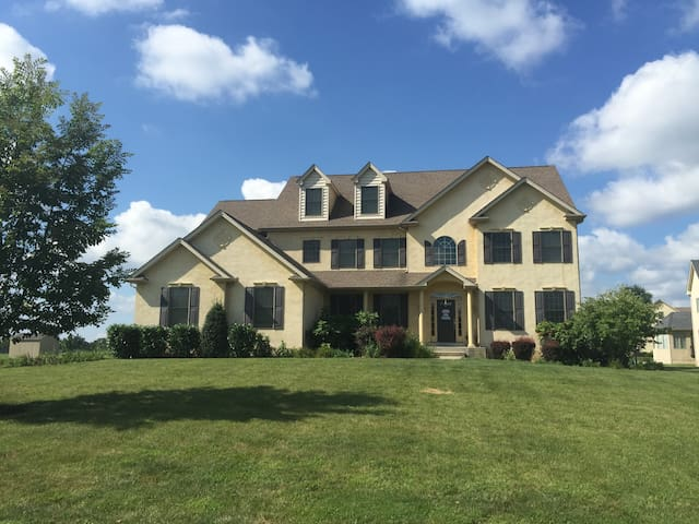 Philadelphia Home in the Suburbs - Eagleville - Huis