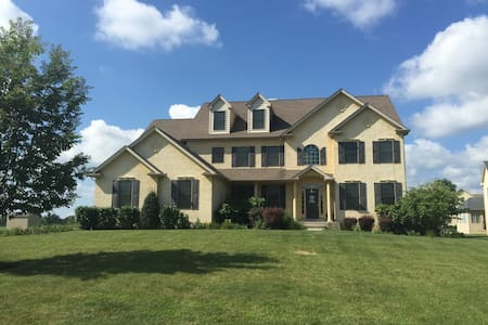 Philadelphia Home in the Suburbs - Eagleville