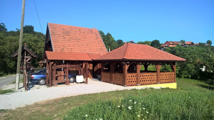 Wooden cottage - Andraševec