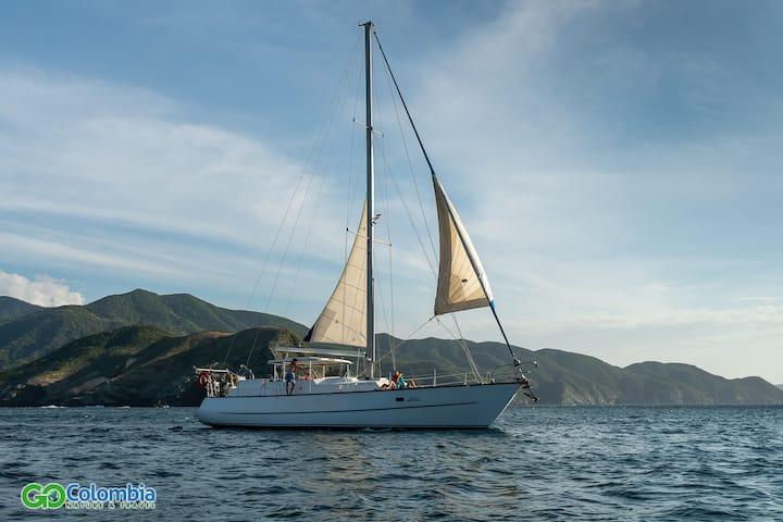 Sin ruido navegando, solo viento y mar