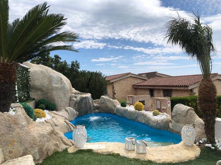 Villa med 2 soverom i Villaputzu med fantastisk havutsikt, privat svømmebasseng, inngjerdet hage - 500 m fra stranden