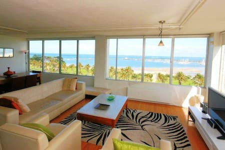 BREATHTAKING VIEWS - FULLY FURNISHE - St Kilda West
