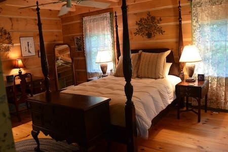 Colonial-style log home--sanctuary. - Barnard