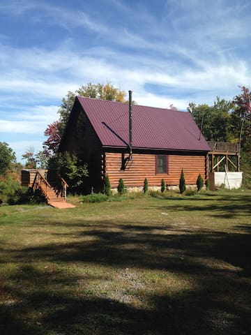 Cabby's Cabin~ Log Cabin in the Catskill Mountains - Kerhonkson - Cabaña