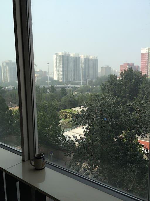 遥望北京东二环 绿化充足