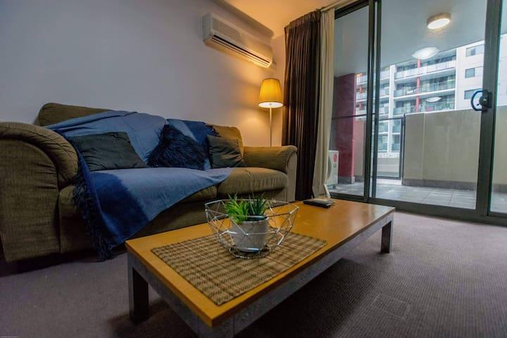 CBD Apartment - Location, Access, Comfort