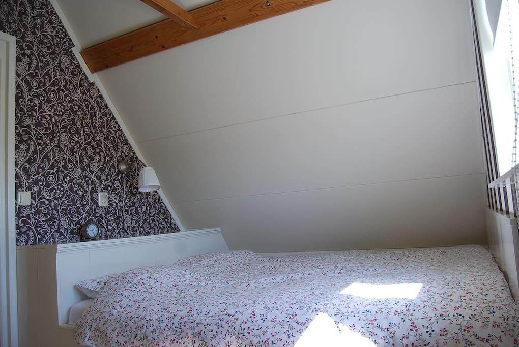 Bij aankomst is uw bed heerlijk opgemaakt.