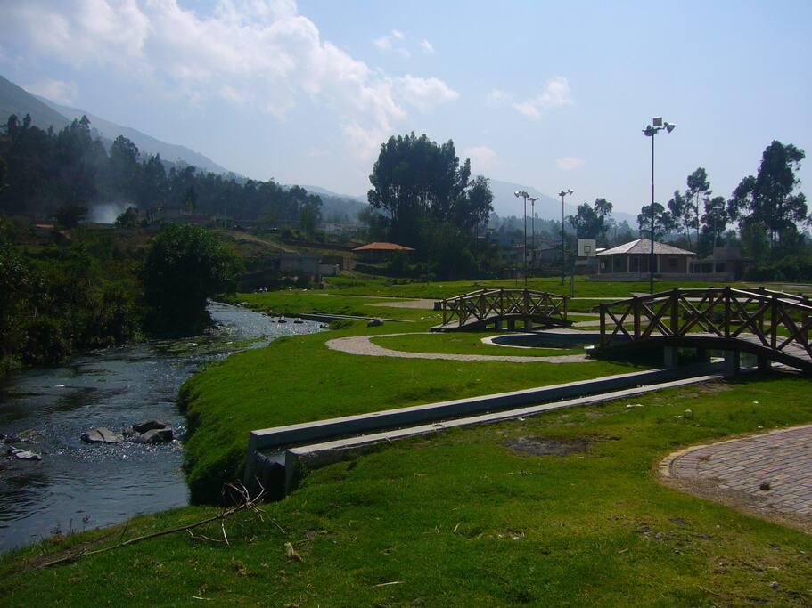 Nearby Parque Acuático Araque