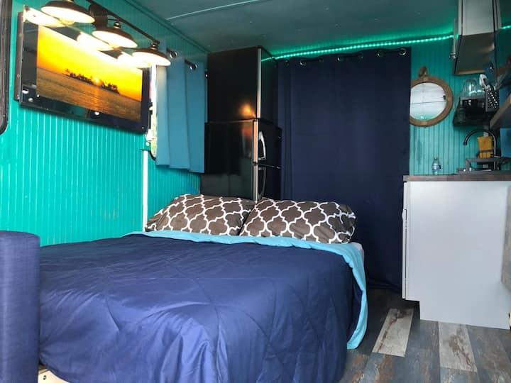 Dreamy Houseboat in Bay w/AC & Kayak+BoatRide