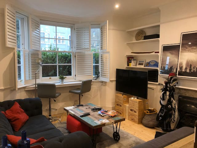 Be a local in Fulham / Easy access from Paddington
