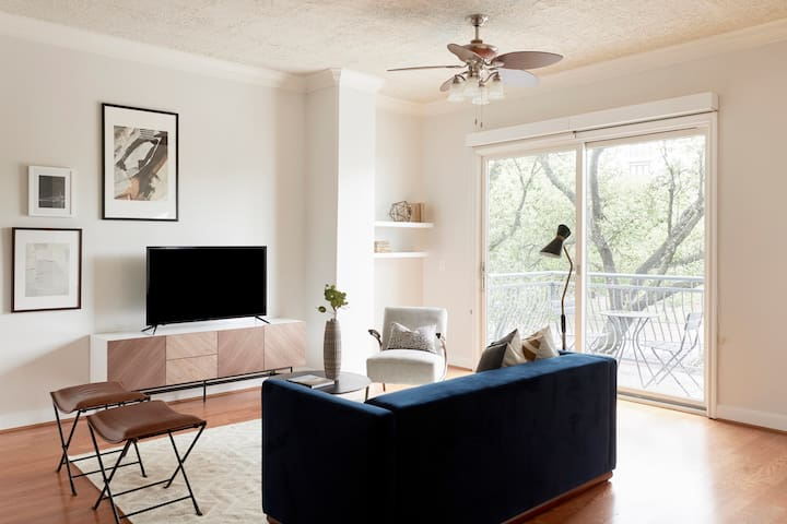 Sonder | Bayou on The Bend | Gorgeous 1BR + Pool