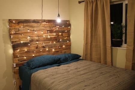 The Adventurous Bungalow-14er Room - Denver - Casa