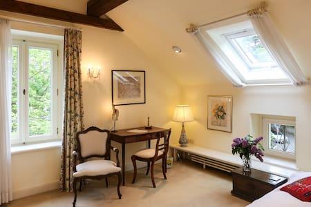 Gemütliches Gästezimmer in Villa - Bonn - Villa