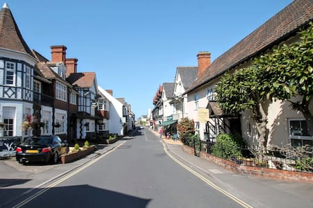 'Hideaway' Holiday Apartment in Porlock - sleeps 2 - Porlock - Lejlighed