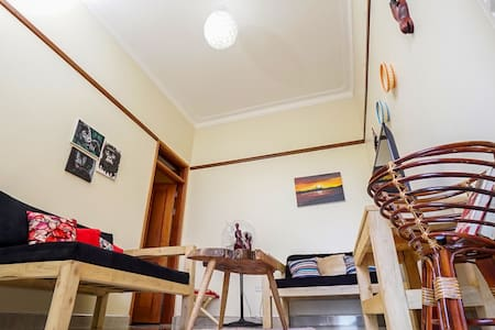 Impala House- unlimited Wifi and close to malls