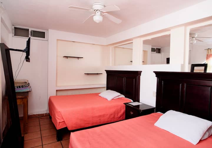 Hab cuádruple económica - Hotel Casa Má Elena