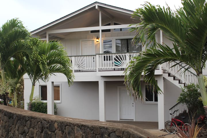 3 Bdrm, Ocean View, close to Beach, A/C MONTHLY