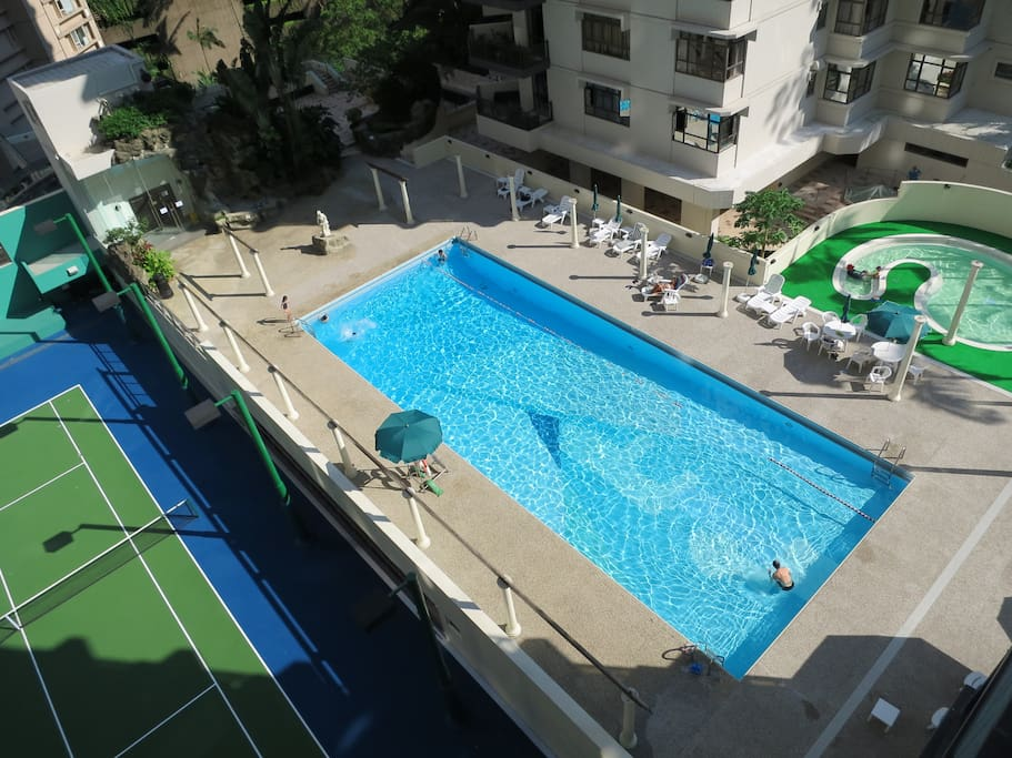 Swimming pool (open in summer months) and tennis court