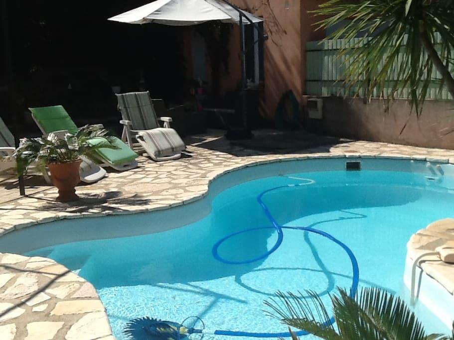 Studio et piscine