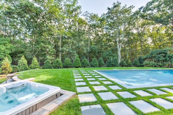 Sag Harbor Getaway-PoolOpen til 9/30 HotTub All Yr