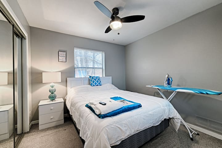 Queen Bedroom, Smart TV, Wifi, Starbucks!