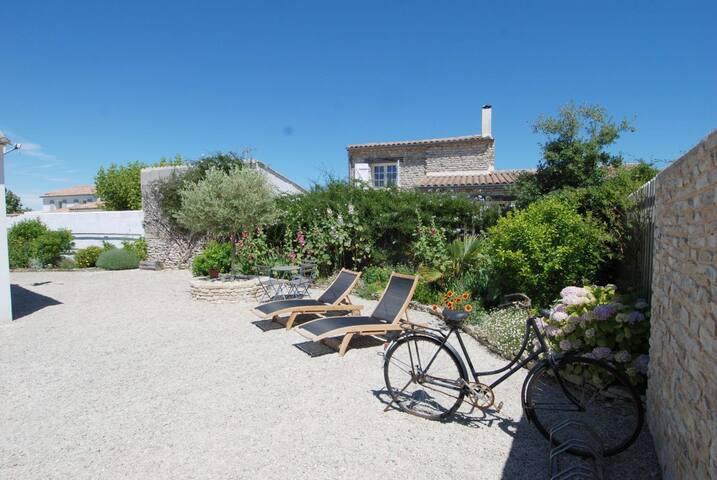 Villa au calme à proximité des marais salants - ラ・クアルド=シュル=メール - 別荘