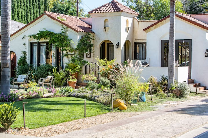 Luxe Boho Bungalow - Close to Disneyland!