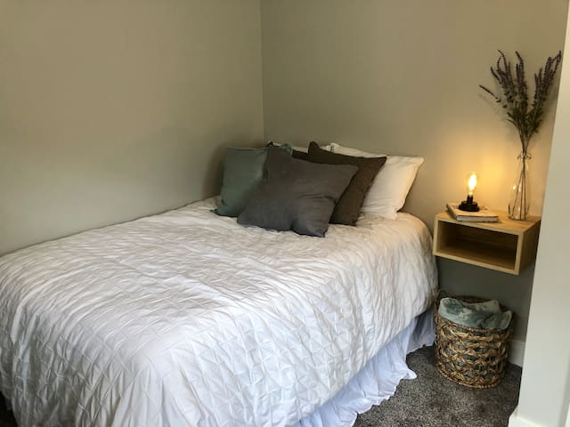 Private Bedroom in Newly Renovated House!