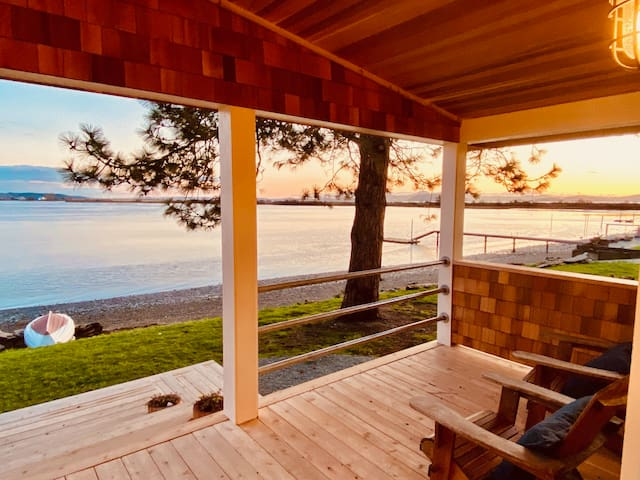 Beachfront Cottage - Samish Island