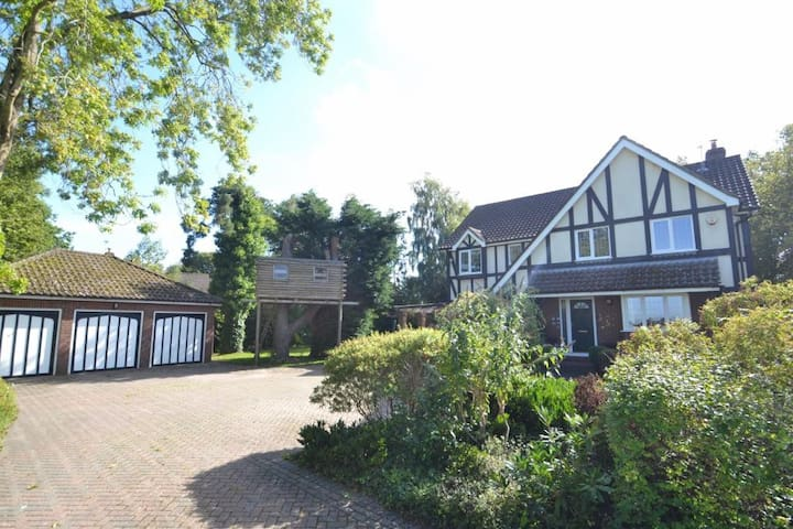 Spacious house in beautiful Dorset - Corfe Mullen - Dom