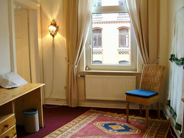 helles Zimmer Linden - Mitte