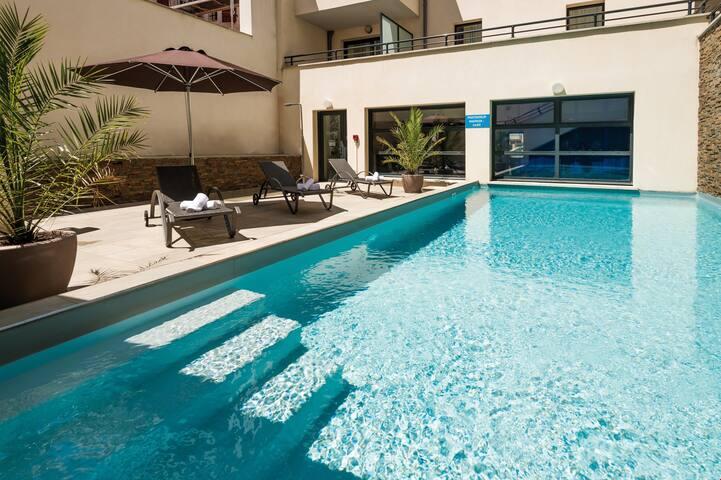 Appartement cosy et charmant avec A/C + Wi-Fi | A 400m des plages !